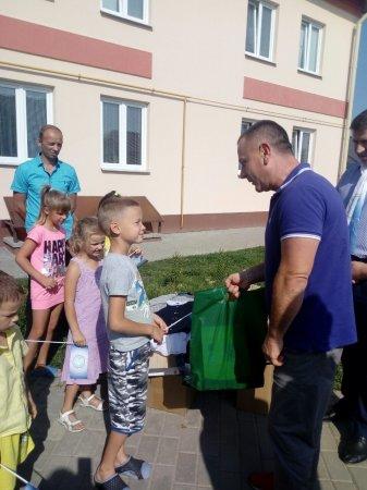 Акция «Соберем детей в школу»